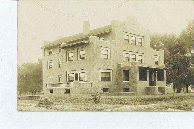 image 211-e-daniel-1909-jpg