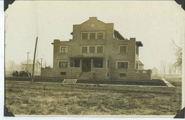 image 211-e-daniel-1925-jpg